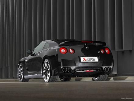Akrapovic Evolution Titanium Exhaust System for Nissan GT-R R35